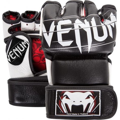 Venum Undisputed 2.0  Black Gloves